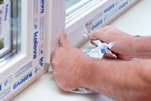 Как снять защитную пленку с окна?